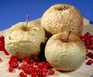 Печеные яблоки и их польза для организма